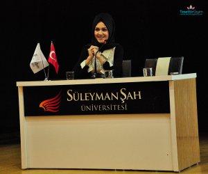 Gönül Kolat Süleyman Şah Üniversitesi'nde Moda Sever Gençlerle Bir Araya Geldi