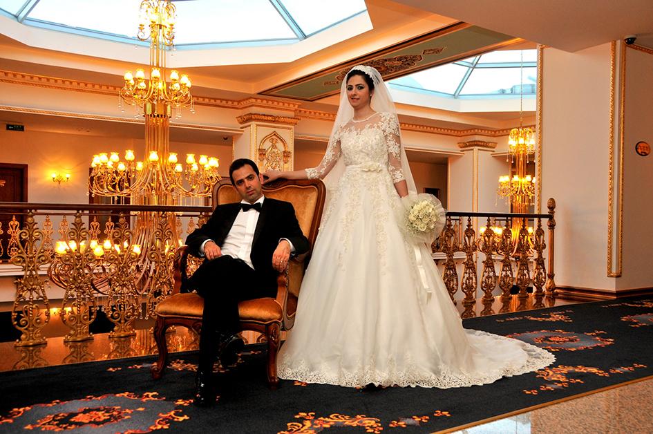 Esin Ertan'ın 1001 Swarovski Taşlı Gelinliği