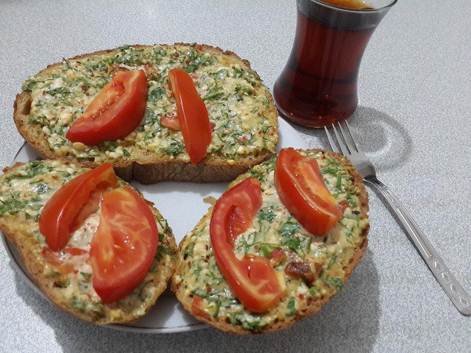 Kahvaltı Sofraları İçin Lezzetli ve Doyurucu Ekmekler