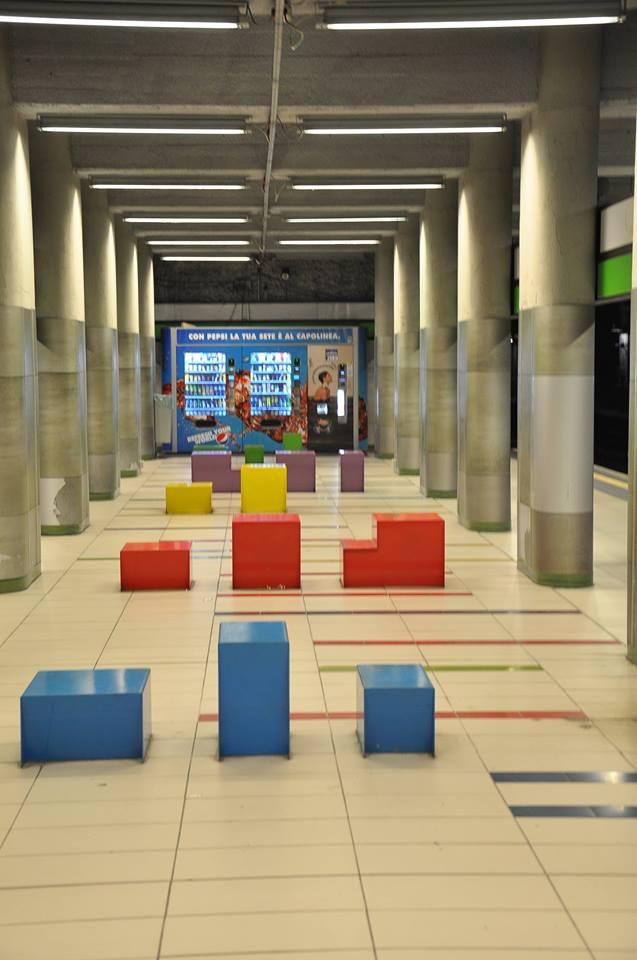 milan'da metro istasyonları...