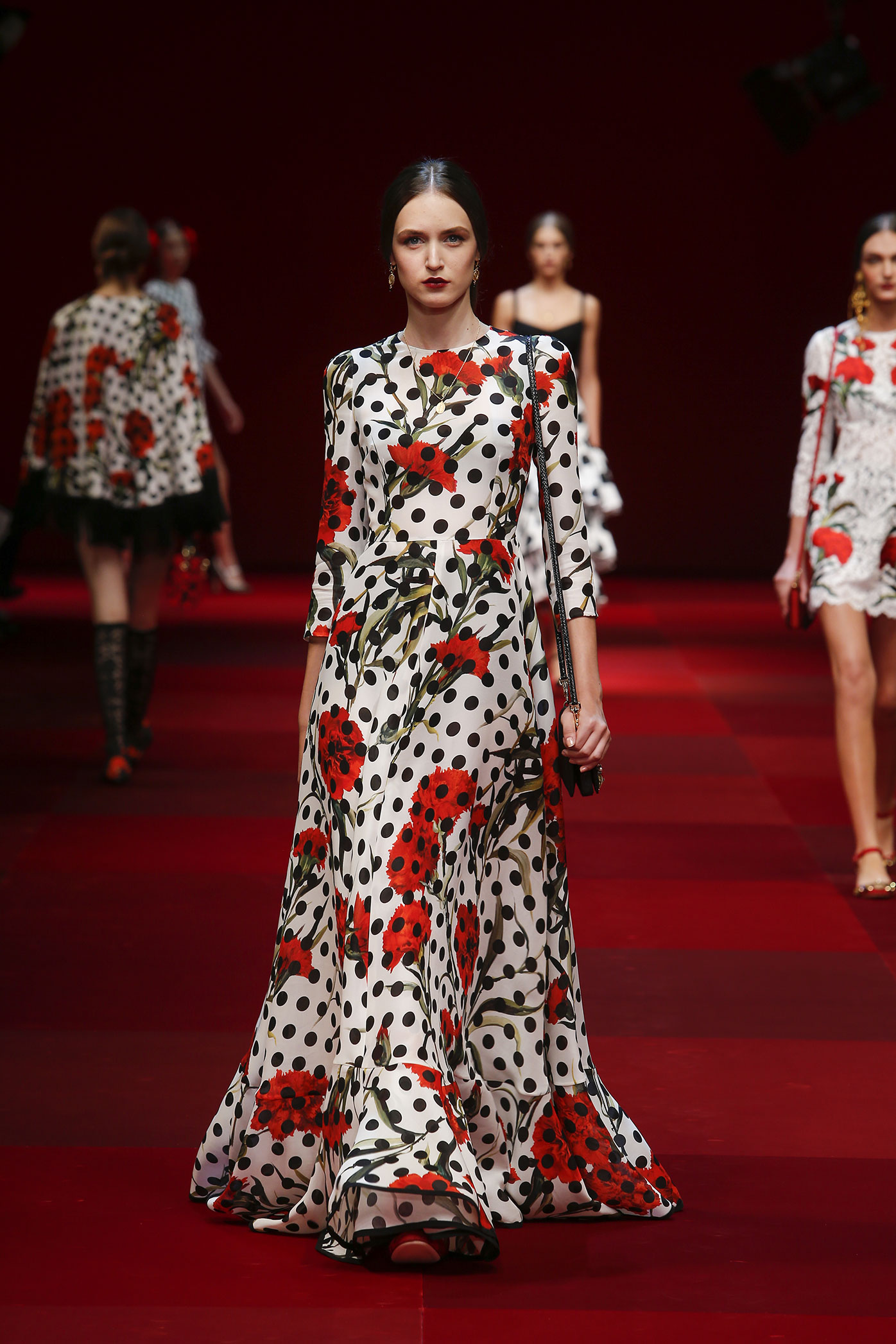 dolce-and-gabbana-summer-2015-women-fashion-show-runway-74-zoom