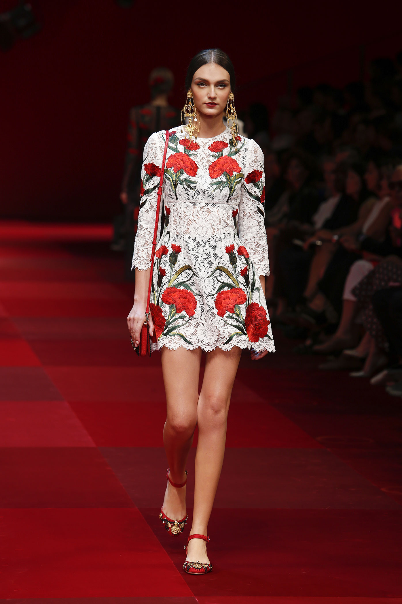 dolce-and-gabbana-summer-2015-women-fashion-show-runway-75-zoom