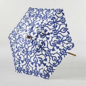 Mavi beyaz semsiye