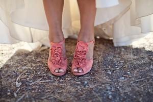 Pembe ayakkabi
