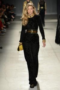 Balmain-Siyah-elbise