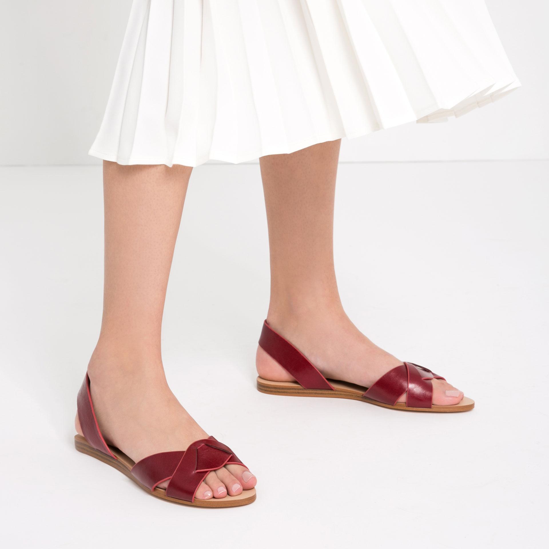 6 Farklı Tarz ile Sandaletler minimal