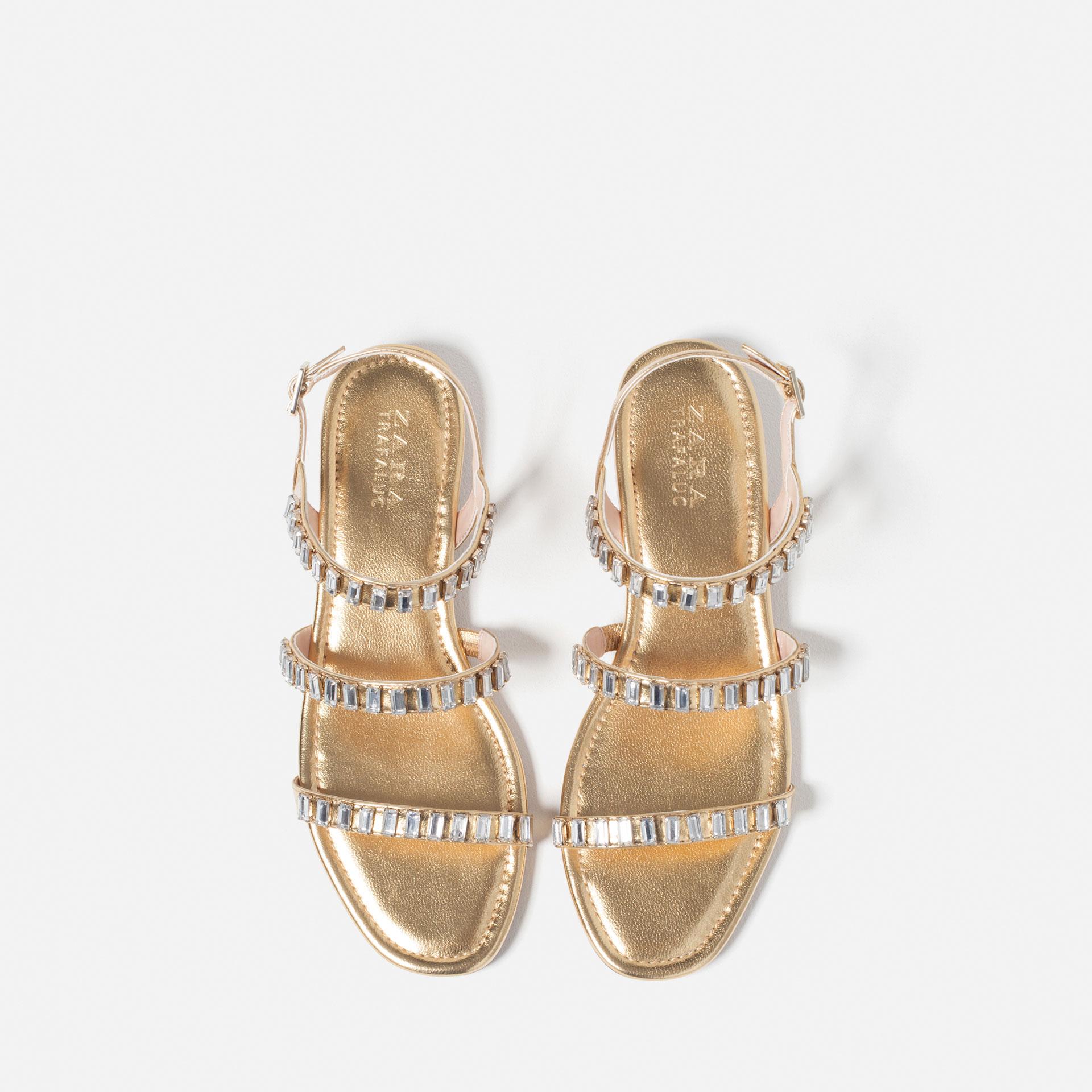 6 Farklı Tarz ile Sandaletler modern