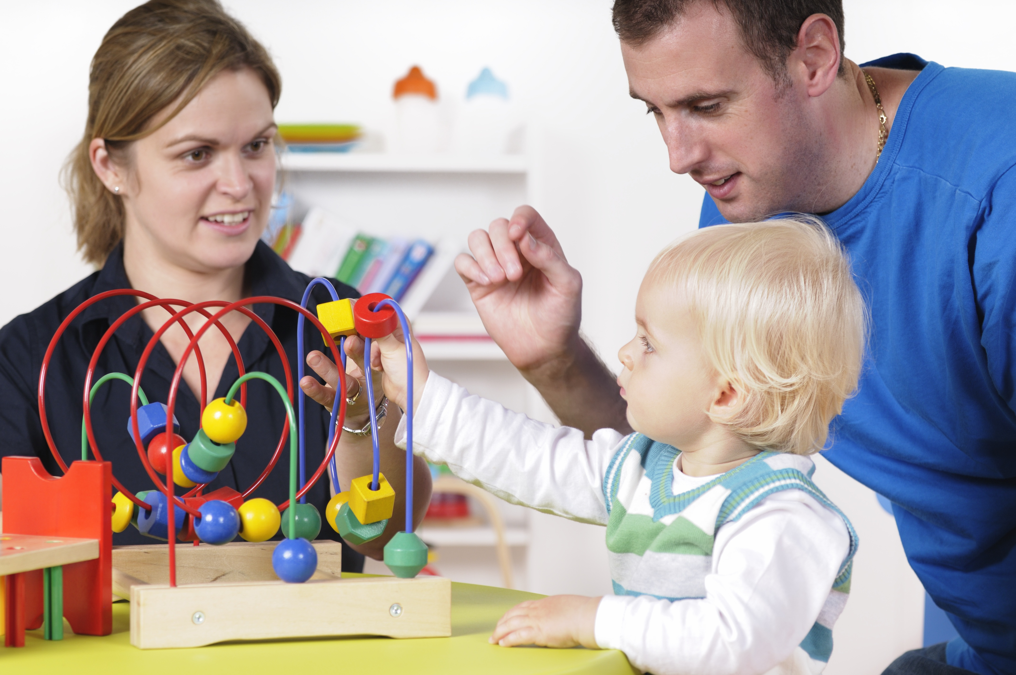 istock-family-play-time