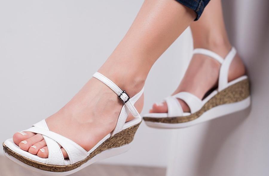 Yaz Sıcaklarında Sandalet Rahatlığı