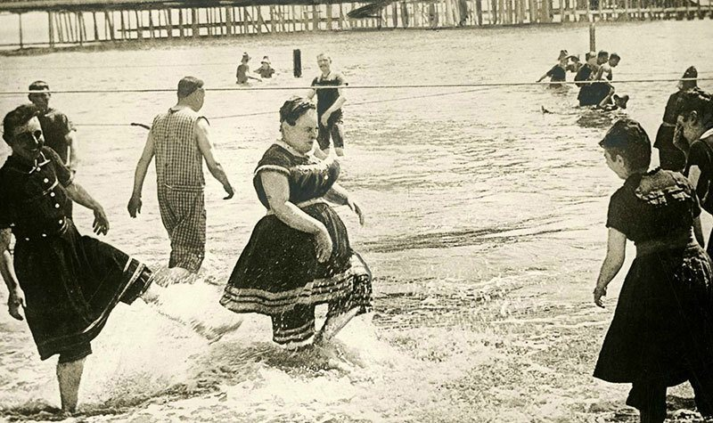 history-womens-swimwear-1800s