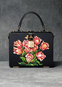 dolce-and-gabbana-winter-2017-woman-accessories-061-321x450