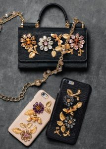 dolce-and-gabbana-winter-2017-woman-accessories-070-321x450
