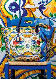 dolce-and-gabbana-winter-2017-woman-accessories-441-321x450