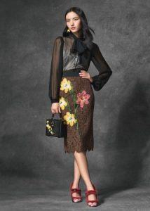 dolce-and-gabbana-winter-2017-woman-collection-133-321x450