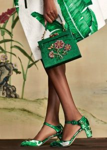 dolce-and-gabbana-winter-2017-woman-collection-211-321x450