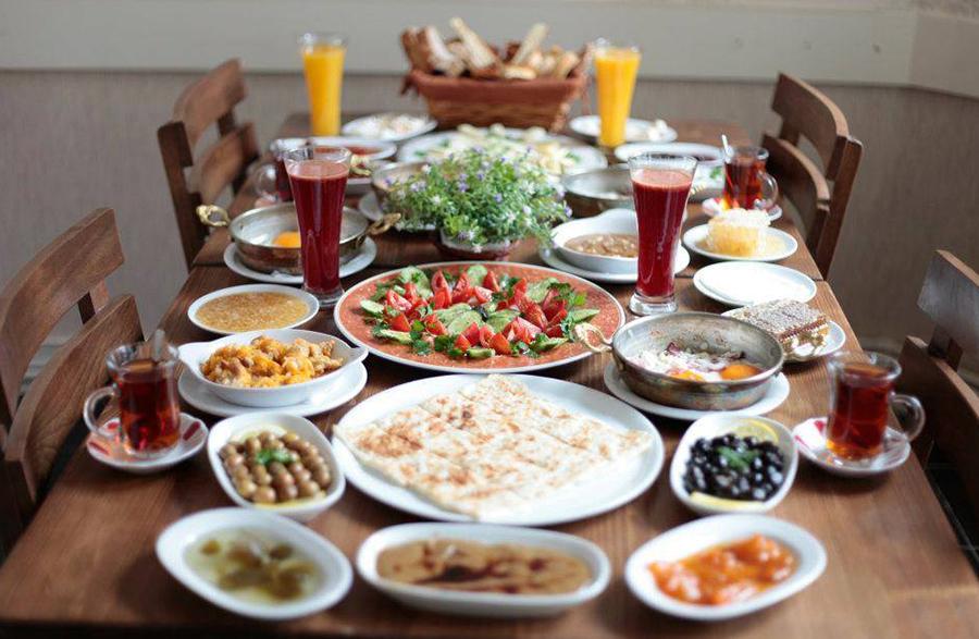 Herkesi Uyandıracak Pazar Kahvaltısı