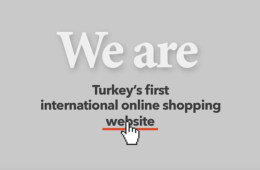 """""""International Business Excellence"""" ödülü (Uluslararası İş Mükemmelliği) ''E-ticaret ve Dijital Deneyim'' kategorisinde Modanisa.com'a verildi. Modanisa, yerel tedarikçileri küresel platforma taşıdığı ve küresel satıcılar haline getirdiği için ödüllendirildi."""