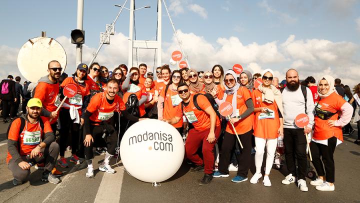 Modanisa, İstanbul Maratonu'nda omurilik felçlileri için yürüdü!