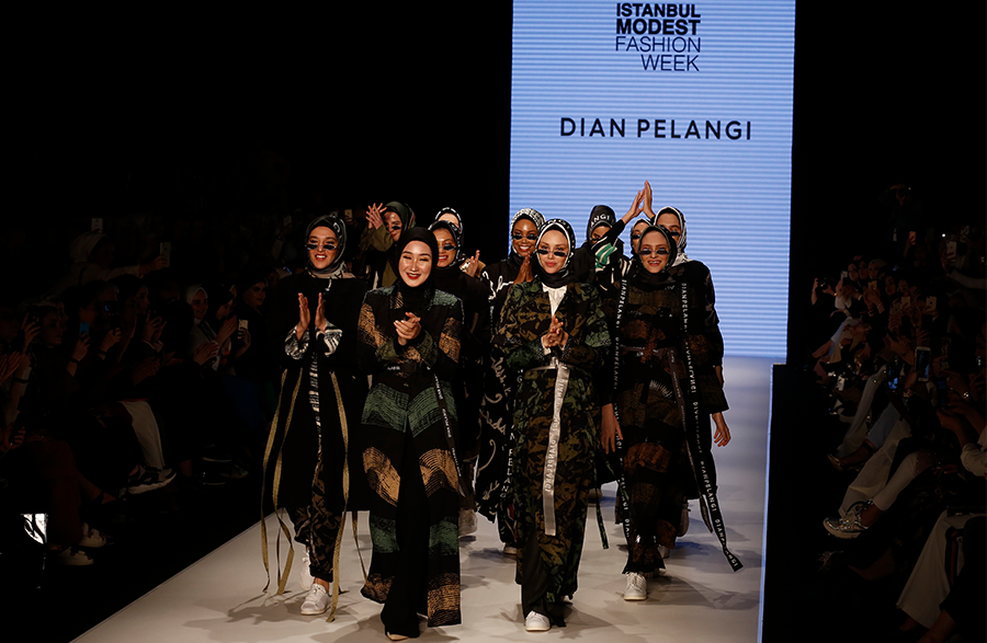 İstanbul Modest Fashion Week – Dian Pelangi Show